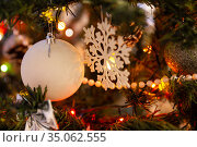 Christmas tree with snowflake and bauble. Стоковое фото, фотограф Юлия Бабкина / Фотобанк Лори