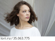 Paula Beer poses for a photo session on San Sebastian Film Festival... (2016 год). Редакционное фото, фотограф Nacho López / age Fotostock / Фотобанк Лори