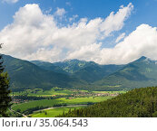 Village Schleching in the valley of river Tiroler Achen in the Chiemgau... Стоковое фото, фотограф Martin Zwick / age Fotostock / Фотобанк Лори