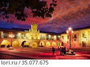City hall, Plaza de España, Way of Saint James, Camino de Santiago... Стоковое фото, фотограф Javier Larrea / age Fotostock / Фотобанк Лори
