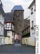 Средневековые ворота Эндерттор в городе Кохеме в Германии (2010 год). Редакционное фото, фотограф Солодовникова Елена / Фотобанк Лори