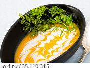 Delicious pumpkin cream soup with ginger. Стоковое фото, фотограф Яков Филимонов / Фотобанк Лори