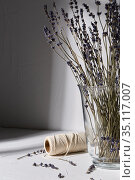 dried lavender flowers in vase and craft rope. Стоковое фото, фотограф Syda Productions / Фотобанк Лори