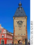 Postplatz, Altpörtel, Stadttor, westlich, 13. Jahrhundert. Стоковое фото, фотограф Bernd J. W. Fiedler / age Fotostock / Фотобанк Лори