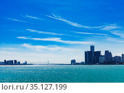 Ambassador bridge view panorama over Detroit river (2018 год). Стоковое фото, фотограф Сергей Новиков / Фотобанк Лори