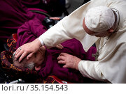 Pope Francis during his weekly general audience in Paul VI hall at... Стоковое фото, фотограф Antoine Mekary / Godong / age Fotostock / Фотобанк Лори