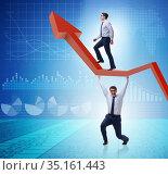 Businessman supporting growtn in economy on chart graph. Стоковое фото, фотограф Elnur / Фотобанк Лори