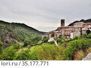 Горная старинная  деревня d'Antraïgues-sur-Volane, Ardèche, région Auvergne-Rhône-Alpes. France. Стоковое фото, фотограф Вера Смолянинова / Фотобанк Лори
