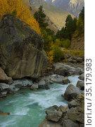 River in mountains. Стоковое фото, фотограф александр жарников / Фотобанк Лори