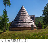 National house with a gabled circular roof in mountainous Montenegro. Стоковое фото, фотограф Володина Ольга / Фотобанк Лори