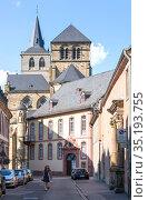 Вид на улицу в центральной части Трира, Германия (2018 год). Редакционное фото, фотограф V.Ivantsov / Фотобанк Лори