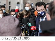 Italian Lega party leader Matteo Salvini wears a face mask as he ... Редакционное фото, фотограф Cristiano Minichiello / AGF/Cristiano Minichiello / age Fotostock / Фотобанк Лори