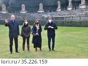 (L-R) Uffizi Galleries director Eike Schmidt, Boboli Gardens director... Редакционное фото, фотограф Aleandro Biagianti / AGF/Aleandro Biagianti / AGF / age Fotostock / Фотобанк Лори