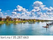 View of Saone river near Tournus city, France. Стоковое фото, фотограф Zoonar.com/Boris Breytman / easy Fotostock / Фотобанк Лори