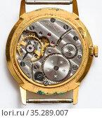 Механизм старых наручных часы Ракета. Редакционное фото, фотограф Игорь Низов / Фотобанк Лори