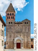 Saint-Philibert de Tournus is a medieval church, the main surviving... Стоковое фото, фотограф Zoonar.com/Boris Breytman / easy Fotostock / Фотобанк Лори