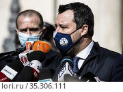 League party leader Matteo Salvini (C) speaks to members of the media... Редакционное фото, фотограф Fotia/AGF/Francesco Fotia / age Fotostock / Фотобанк Лори