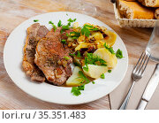 Grilled pork loin chops with boiled potato. Стоковое фото, фотограф Яков Филимонов / Фотобанк Лори