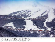 Courchevel ski resort slopes and village at winter (2020 год). Стоковое фото, фотограф Сергей Новиков / Фотобанк Лори