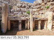 Malta. Ggantija ruins, it is a megalithic temple at Gozo island (2019 год). Стоковое фото, фотограф EugeneSergeev / Фотобанк Лори