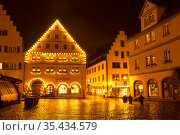 At night during the Christmas holidays in medieval town Rotenburg ob der Tauber. Bavaria, Germany (2012 год). Редакционное фото, фотограф Наталья Волкова / Фотобанк Лори