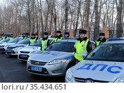 Инспекторы ДПС на разводе перед заступлением на патрулирование дорог (2016 год). Редакционное фото, фотограф Free Wind / Фотобанк Лори