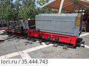 Тепловоз для подземной железной дороги. Постойна, Словения (2011 год). Редакционное фото, фотограф Вадим Хомяков / Фотобанк Лори