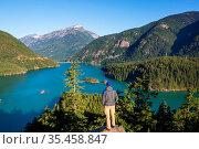 Diablo Lake in North Cascades National Park, Washington, USA. Beautiful... Стоковое фото, фотограф Zoonar.com/Galyna Andrushko / easy Fotostock / Фотобанк Лори