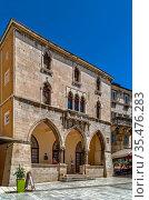 Old town hall on People's Square, Split, Croatia. Стоковое фото, фотограф Zoonar.com/Boris Breytman / easy Fotostock / Фотобанк Лори