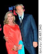 Jeff Bridges and Susan Geston at the Los Angeles premiere of 'Bad... Стоковое фото, фотограф Zoonar.com/Lumeimages.com / age Fotostock / Фотобанк Лори