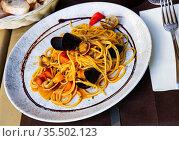 Italian seafood spaghetti. Стоковое фото, фотограф Яков Филимонов / Фотобанк Лори