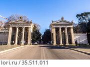 Monumental entrance to Villa Borghese from piazzale Flaminio - Rome... Стоковое фото, фотограф Stefano Ravera / age Fotostock / Фотобанк Лори