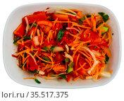 Summer vegetable salad - red bell peppers, carrot. Стоковое фото, фотограф Яков Филимонов / Фотобанк Лори