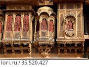 Highly decorative, minutely carved balconies of Patawon-ki-Haweli... Стоковое фото, фотограф Zoonar.com/Mahantesh C Morabad / easy Fotostock / Фотобанк Лори