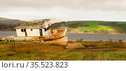 An old beached boat lay rotting away forgotten at Point Reyes in California... Стоковое фото, фотограф Zoonar.com/Christopher Boswell / easy Fotostock / Фотобанк Лори