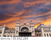 Belorusskiy railway station -- is one of the nine main railway stations in Moscow, Russia. It was opened in 1870 and rebuilt in its current form in 1907-1912 (2016 год). Редакционное фото, фотограф Владимир Журавлев / Фотобанк Лори