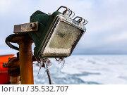 Заледеневший фонарь на судне в Арктике. Стоковое фото, фотограф Алексей Шматков / Фотобанк Лори