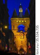 France, Nouvelle Aquitaine, Gironde, Porte Saint Eloïbgate, nd Grosse... Стоковое фото, фотограф J.D. Dallet / age Fotostock / Фотобанк Лори