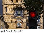 France, Nouvelle Aquitaine, Gironde, Grosse Cloche on Saint EloïÂ... Стоковое фото, фотограф J.D. Dallet / age Fotostock / Фотобанк Лори