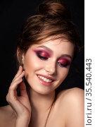 Closeup portrait of young beautiful woman. Стоковое фото, фотограф Людмила Дутко / Фотобанк Лори