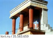 Ancient Crete. Palace of Knossos 1400-1200 BC. Reconstructed balustrade... Редакционное фото, агентство World History Archive / Фотобанк Лори
