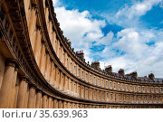 Curved terrace of Georgian Town houses in The Circus, Bath, England. Стоковое фото, фотограф Zoonar.com/Mathieu van den Berk / easy Fotostock / Фотобанк Лори