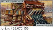 Engineering Wonders, 1927:   Electric Dumper for handling coal. USA. Редакционное фото, агентство World History Archive / Фотобанк Лори