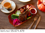 Kazan kebab, slowly stewed young lamb with vegetables. Стоковое фото, фотограф Яков Филимонов / Фотобанк Лори