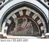 Painted external detail from the Basilica of Santa Maria Novella, a church in Florence, Italy famous for it's detailed façade. Редакционное фото, агентство World History Archive / Фотобанк Лори