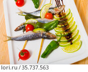 Grilled sardines with vegetables. Стоковое фото, фотограф Яков Филимонов / Фотобанк Лори