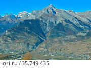 Haut du Cry above the Southern Swiss towns of Chamoson and Sion. Стоковое фото, фотограф Neil Harrison / age Fotostock / Фотобанк Лори