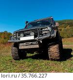 Extreme off-road expedition car - Toyota Land Cruiser Prado on mountain... Стоковое фото, фотограф Zoonar.com/Alexander A. Piragis / age Fotostock / Фотобанк Лори