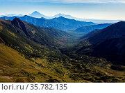 Beautiful autumn mountain landscape: scenery view of mountains, lake... Стоковое фото, фотограф Zoonar.com/Alexander A. Piragis / age Fotostock / Фотобанк Лори