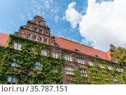 Szchecin, Poland - 19 August 2020: the historic Morska Academy building... Стоковое фото, фотограф Zoonar.com/Nando Lardi / age Fotostock / Фотобанк Лори
